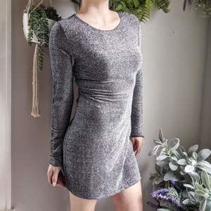 REFORMATION NWT Redford silver mini dress 0659